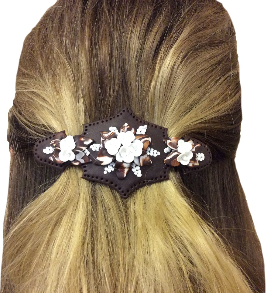 Handgjort hårspänne med brun botten
