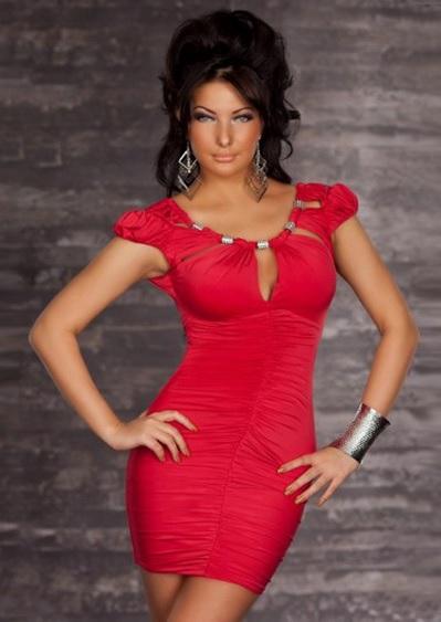 röd kort klänning